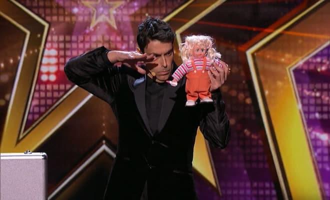 Os truques deste mago são tão engraçados que acabam conquistando toda a plateia 8