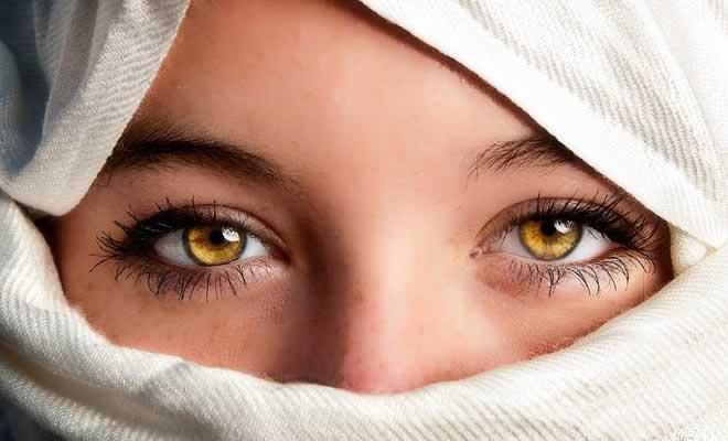 10 cores de olhos mais raras do mundo 8