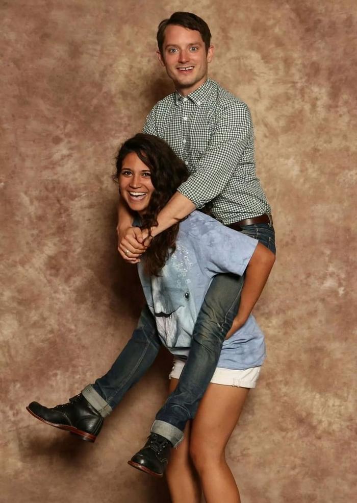 16 provas de que Elijah Wood, é o mito das fotos com os fãs 4