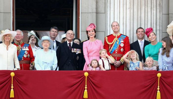 26 teorias sobre a Família Real que vão te deixar chocado 26
