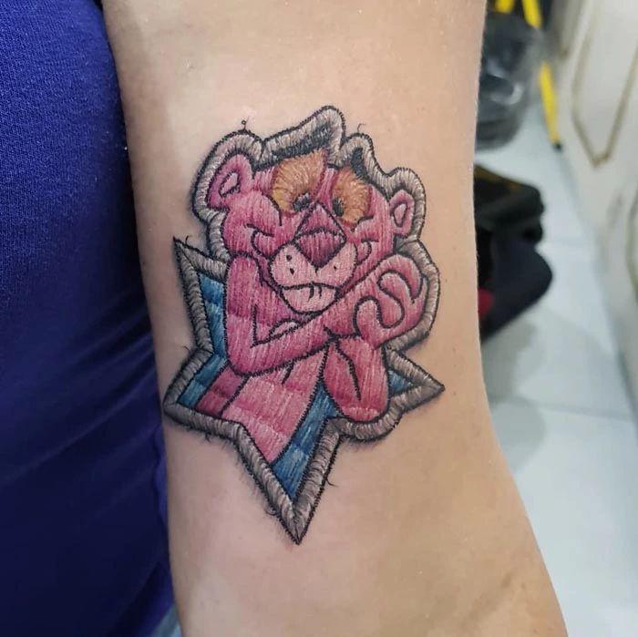 46 tatuagens de bordados que estão se popularizando no Brasil 12