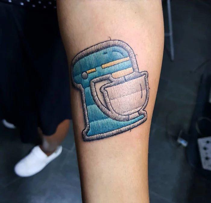 46 tatuagens de bordados que estão se popularizando no Brasil 44
