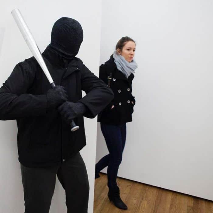 Artista espalha manequins realistas em todo o mundo para mexer com as pessoas (49 fotos) 16