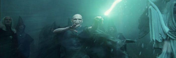 10 piores maldades cometidas por Voldemort 6