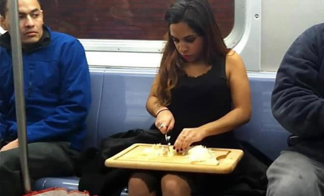 19 pessoas engraçadas e estranhas no metrô 9