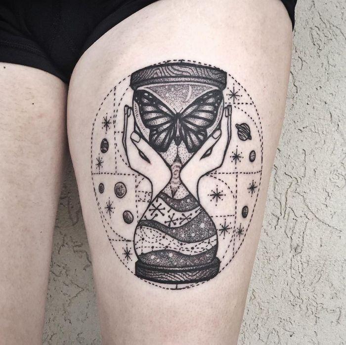 32 ideias de tatuagens inspiradas no espaço 16