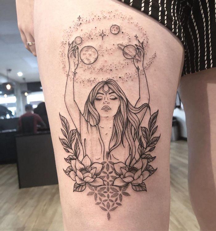 32 ideias de tatuagens inspiradas no espaço 29