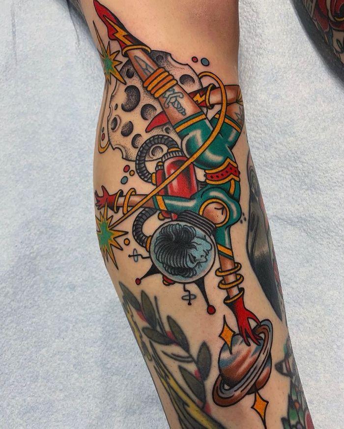 32 ideias de tatuagens inspiradas no espaço 32