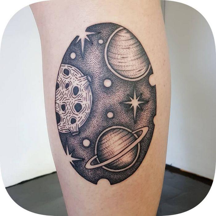 32 ideias de tatuagens inspiradas no espaço 34