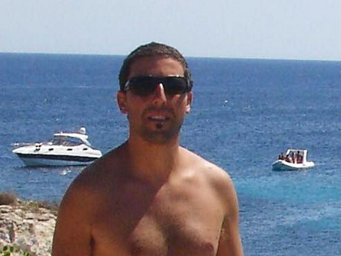 """Existe uma página no Facebook """"Pessoas que se parecem com Adam Sandler, mas não são Adam Sandler"""" 23"""