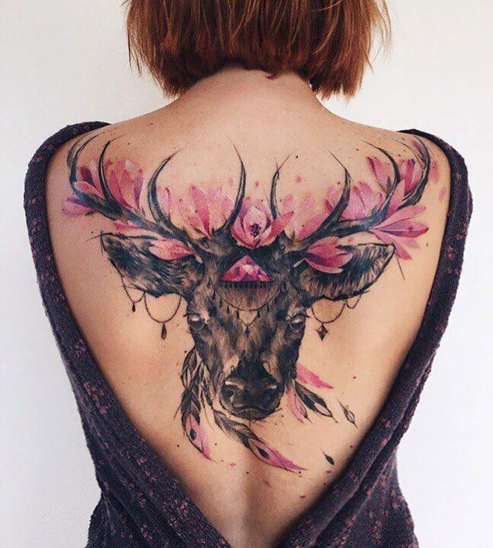 30 tatuagens impressionantes nas costas que são obras-primas 21