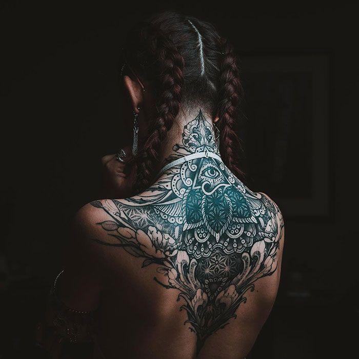 30 tatuagens impressionantes nas costas que são obras-primas 23