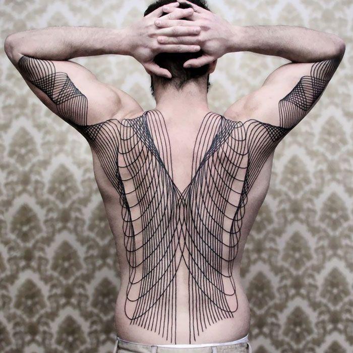 30 tatuagens impressionantes nas costas que são obras-primas 31
