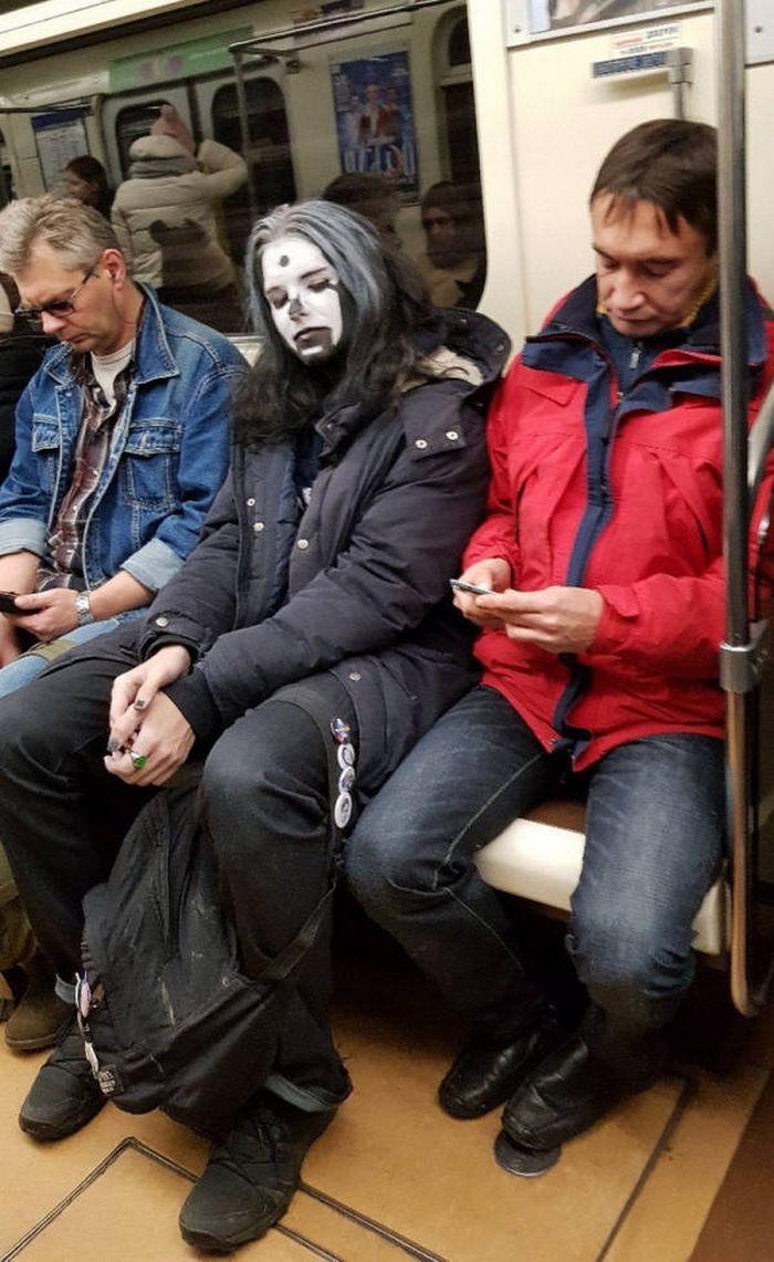 Metrô um lugar cheio de gente estranhas (31 fotos) 11
