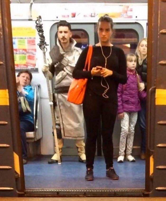 Metrô um lugar cheio de gente estranhas (31 fotos) 27