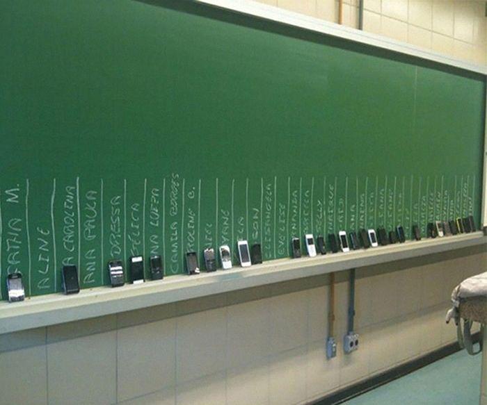 Algumas escolas levam ao extremo os métodos anti-cola (17 fotos) 6