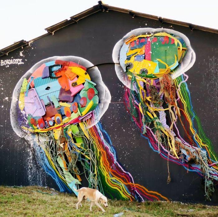Artista transforma lixo em animais para nos lembrar sobre poluição 12