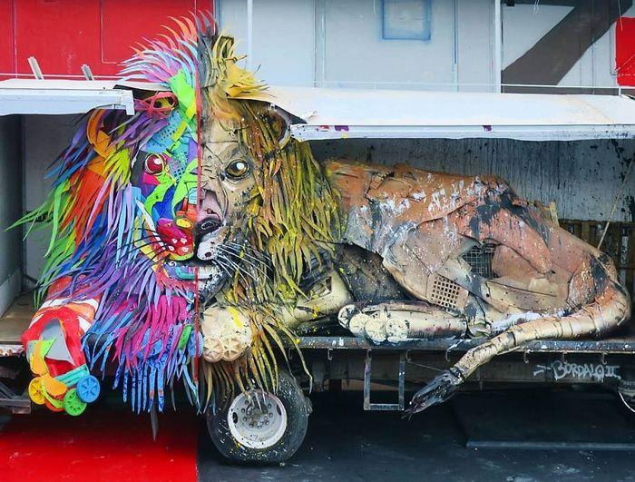 Artista transforma lixo em animais para nos lembrar sobre poluição 13