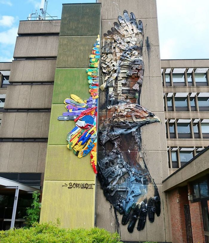 Artista transforma lixo em animais para nos lembrar sobre poluição 18