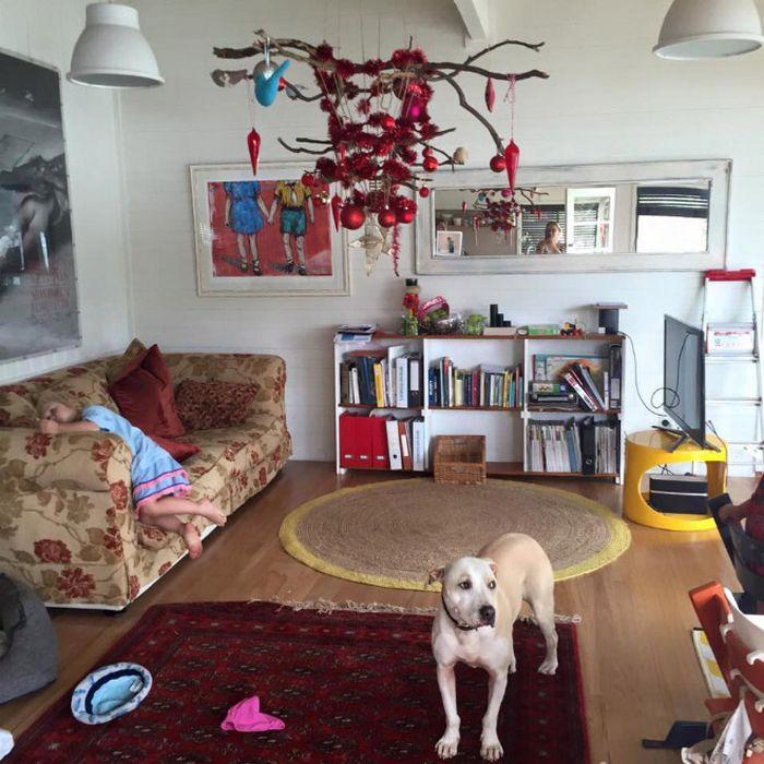 21 dicas genias de como proteger sua árvore de Natal dos animais de estimação 16