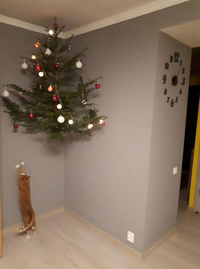 21 dicas genias de como proteger sua árvore de Natal dos animais de estimação 17