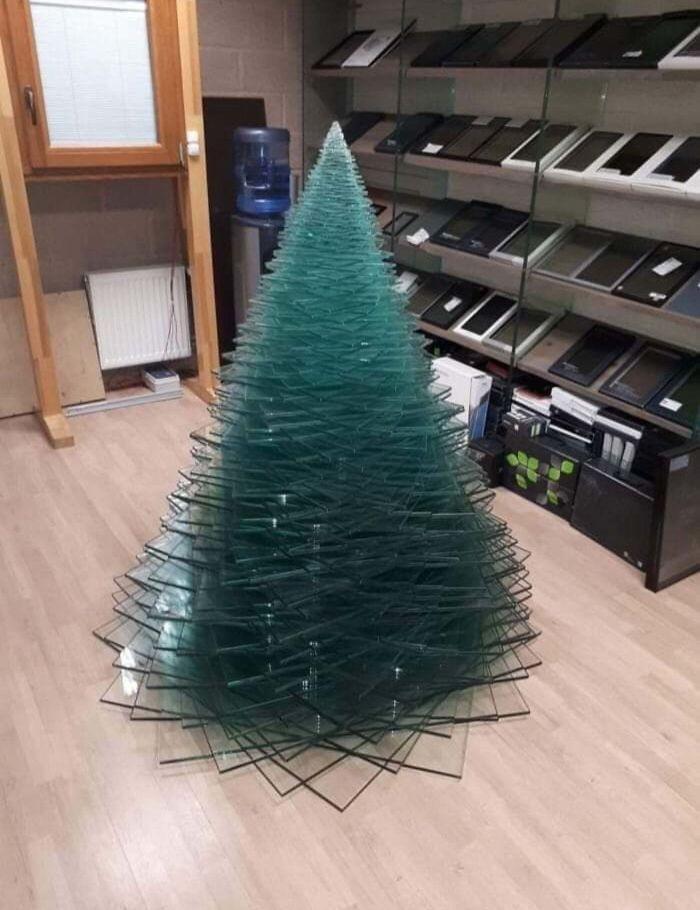 34 vezes funcionários criativos construíram árvores de Natal com temas de trabalho 2