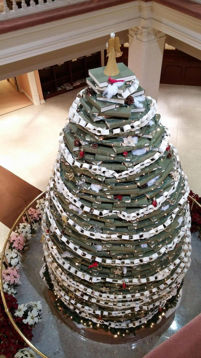 34 vezes funcionários criativos construíram árvores de Natal com temas de trabalho 11
