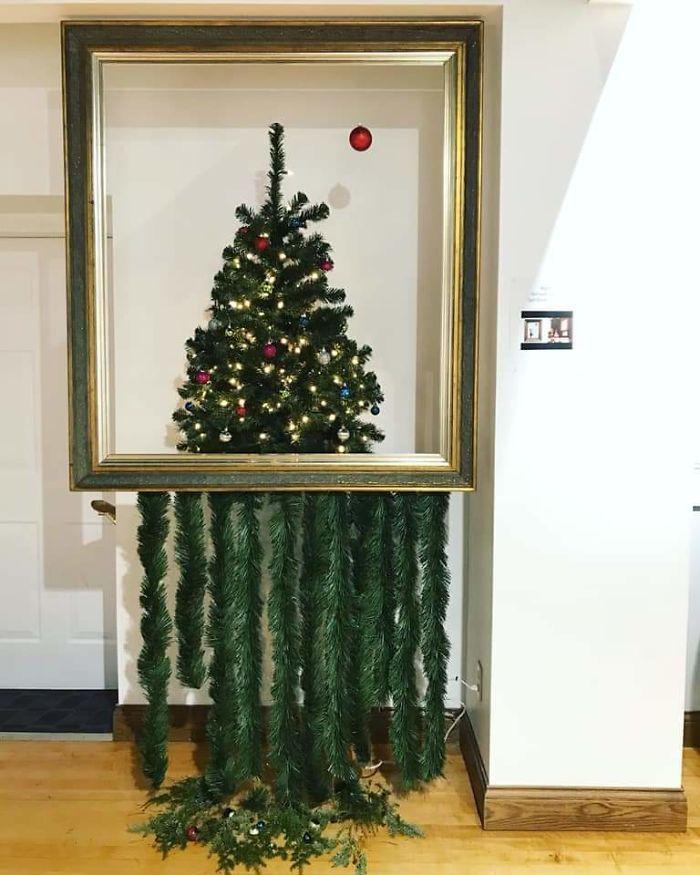 34 vezes funcionários criativos construíram árvores de Natal com temas de trabalho 13