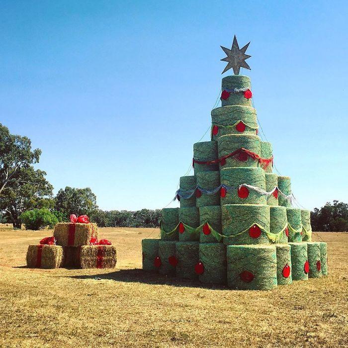 34 vezes funcionários criativos construíram árvores de Natal com temas de trabalho 24