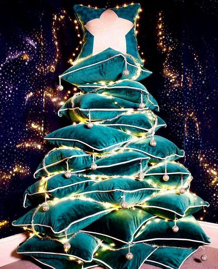 34 vezes funcionários criativos construíram árvores de Natal com temas de trabalho 26