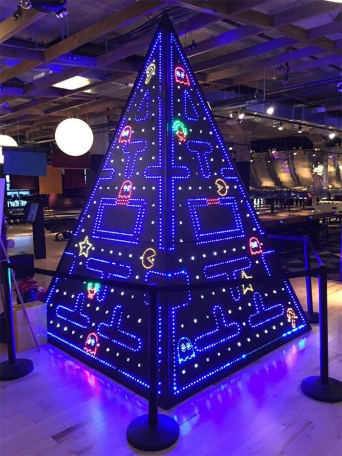 34 vezes funcionários criativos construíram árvores de Natal com temas de trabalho 30
