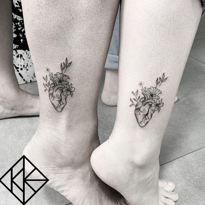 39 ideias lindas para tatuagens para irmãs e melhores amigas 23