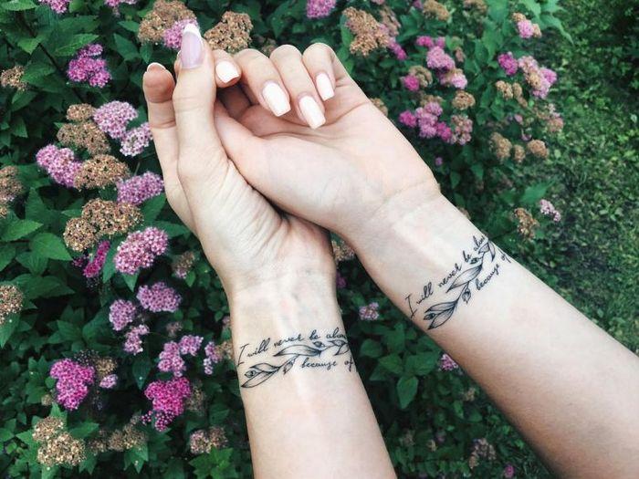 39 ideias lindas para tatuagens para irmãs e melhores amigas 25