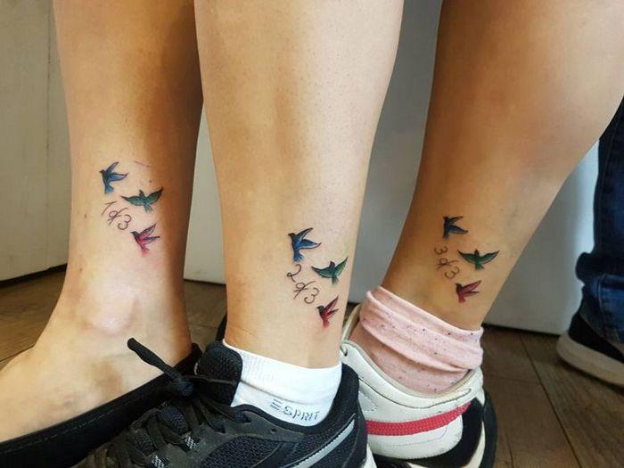 39 ideias lindas para tatuagens para irmãs e melhores amigas 40