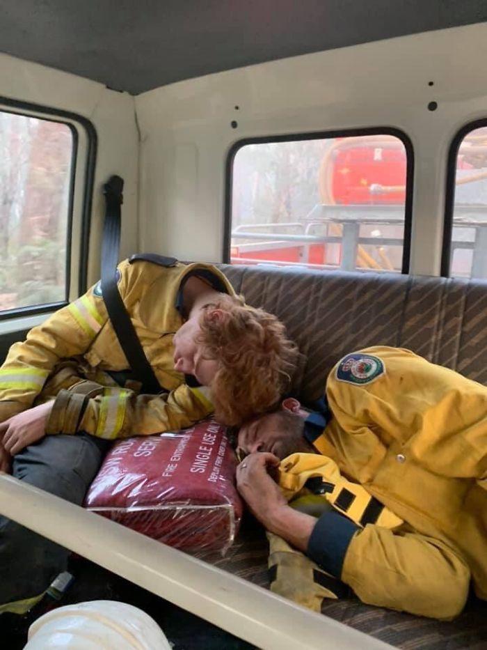 36 imagens que mostram os horrores dos incêndios na Austrália 11