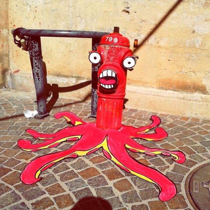 Artista dá vida às ruas simples adicionando personagens divertidos (34 fotos) 8
