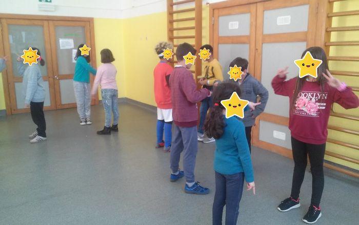 12 brincadeiras em grupo para se divertir com os amigos 11