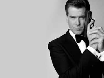 Quiz: Que artistas cantaram as músicas-tema destes filmes do 007? 2