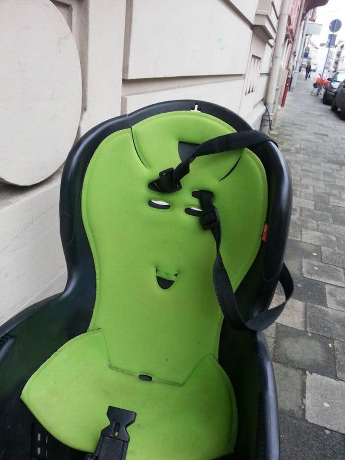 Você consegue ver rostos de bêbados nesses objetos inanimados? 16