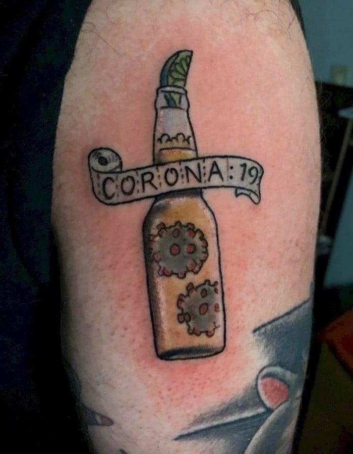 Algumas pessoas estão fazendo tatuagens inspiradas no covid-19 (21 fotos) 2