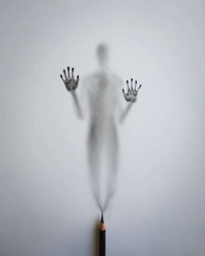Artista cria desenhos assombrosos que parecem ter vindo do além (28 fotos) 5