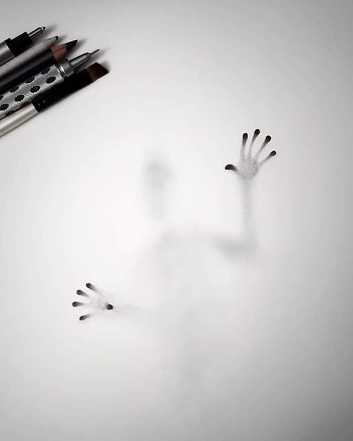 Artista cria desenhos assombrosos que parecem ter vindo do além (28 fotos) 20