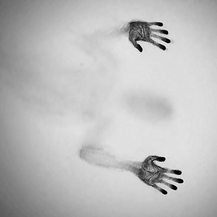 Artista cria desenhos assombrosos que parecem ter vindo do além (28 fotos) 26