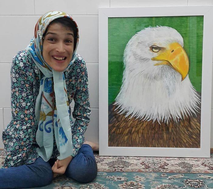 35 retratos incríveis desta artista iraniana com deficiência que usa apenas o Pé 8