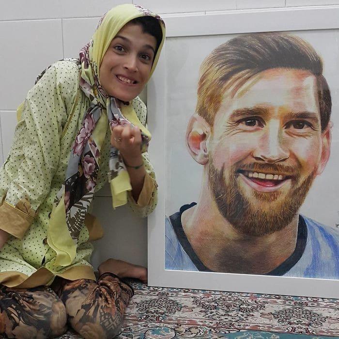 35 retratos incríveis desta artista iraniana com deficiência que usa apenas o Pé 9
