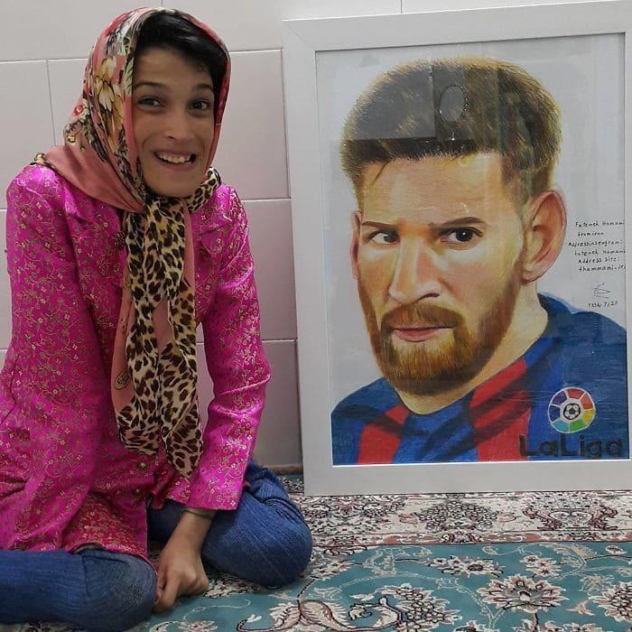 35 retratos incríveis desta artista iraniana com deficiência que usa apenas o Pé 16