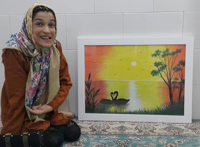 35 retratos incríveis desta artista iraniana com deficiência que usa apenas o Pé 22