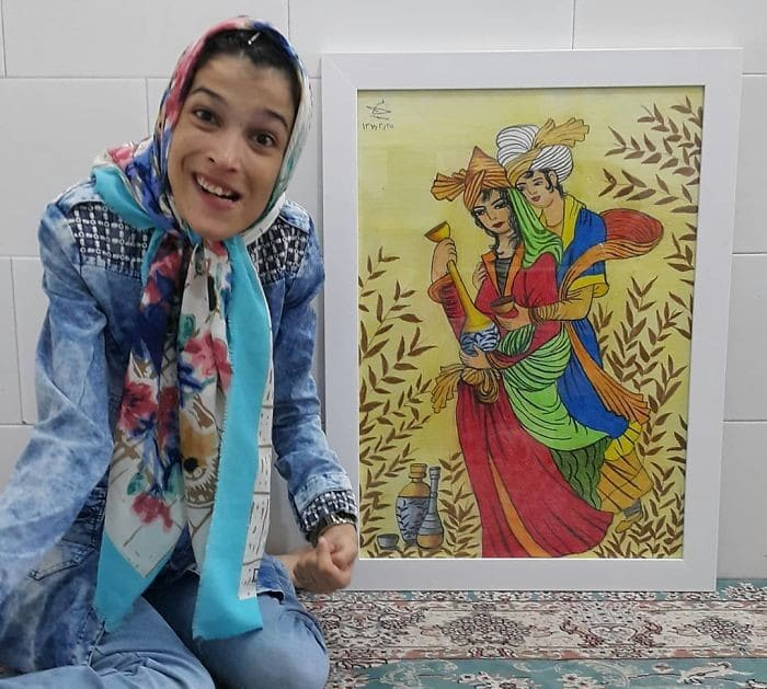 35 retratos incríveis desta artista iraniana com deficiência que usa apenas o Pé 29
