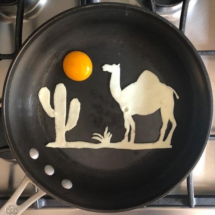 Um artista do México usa uma panela como tela e cria arte a partir de ovos (30 fotos) 19