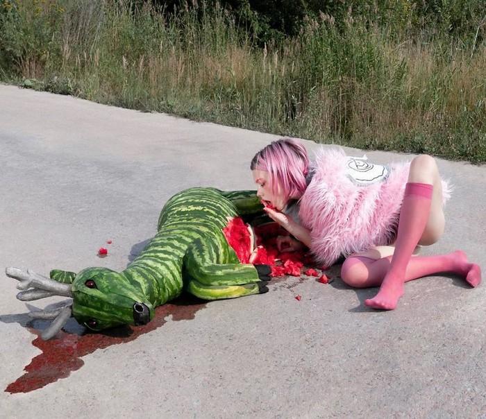 Esta artista russa compartilha suas fotos bizarras e se tornou uma sensação no Instagram (40 fotos) 5